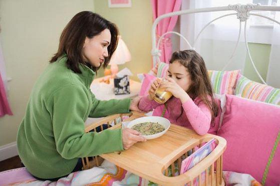 cách chăm sóc trẻ bị tiêu chảy cấp